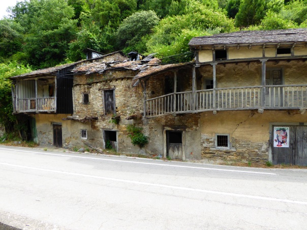 Buildings along the road in the valley bottom leading out of Villafranca. While this is so typical of the decay we have seen across northern Spain, it is everywhere in this particular region and from what we have read, it will continue and worsen as we enter Galicia.