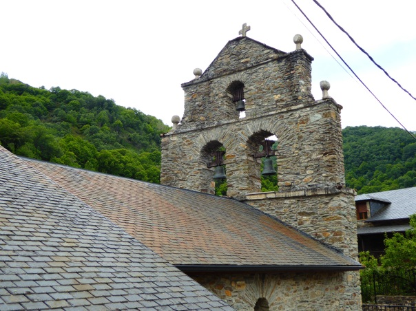 The church Delana mentions above, such a typical pilgrim's church along the way. Made of slate they are so simple but picturesque.