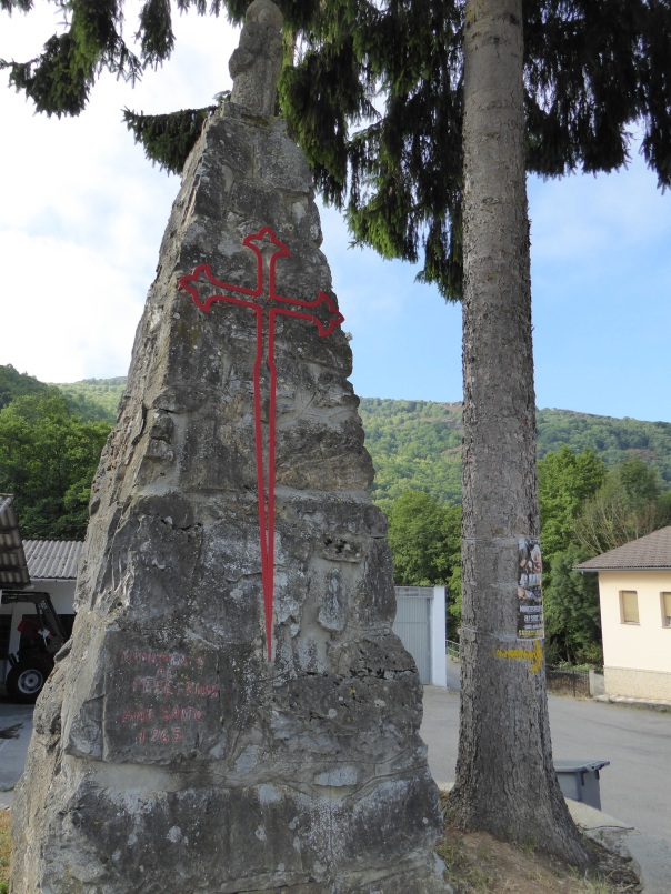 Set in a huge stone on the outskirts of Triacastela, the symbol of the Templar. Kind of an ominous sign to see, particularly when drawn in red.....
